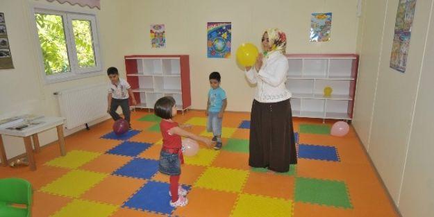İ.ü'de Çocuk Kreşi Ve Gündüz Bakım Evi Hizmete Açıldı