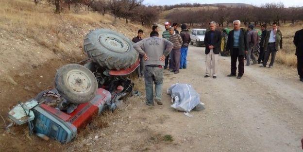 Kadın Sürücü Kullandığı Traktörün Altında Kaldı
