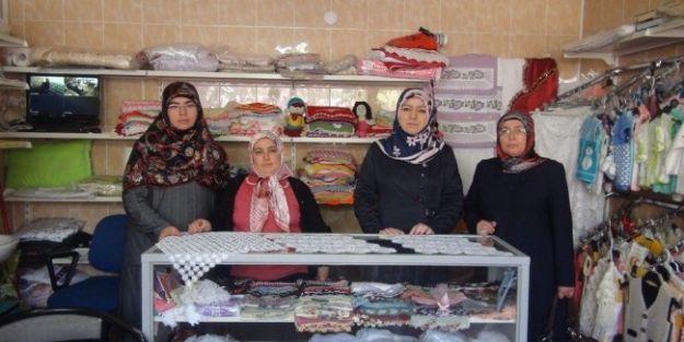 Kadınlar, İnci Çeyiz Projesi İle Kendi Ürünlerinin Satışını Yapıyor