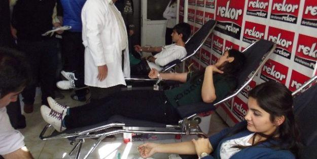 Kan Kampanyasına Destek Verildi