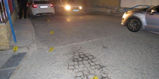 Kanalboyu'nda silahlı kavga: 3 yaralı