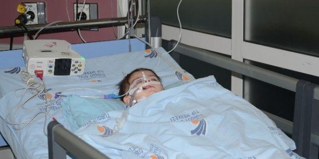 Kas Hastalığından İki Çocukları Öldü, Biri De Yaşam Savaşı Veriyor