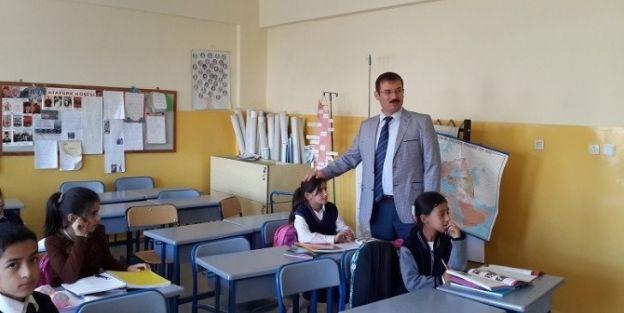 Kaymakam Tekin Erdemir, Okullarda İnceleme Yaptı