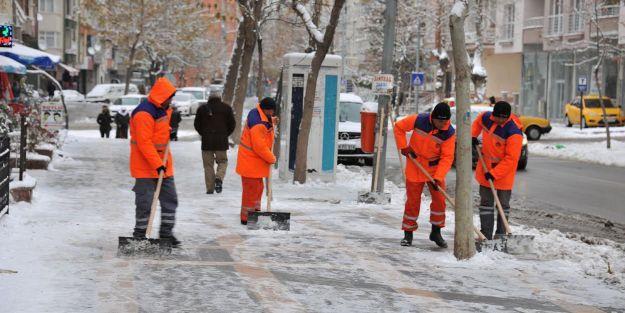 Kent merkezine ilk kar düştü