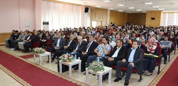 """Kılıç'tan 'din Ve Kültür Üzerine"""" Konulu Konferans"""