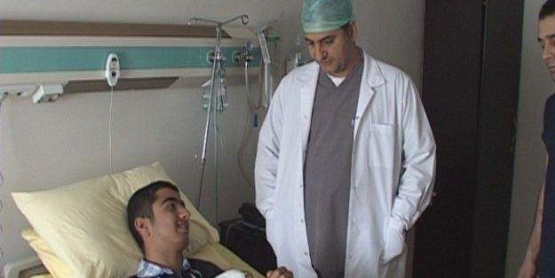 Kolu Kırılan Genç Kaleci Ameliyat Edildi