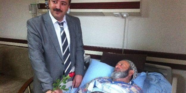 Kutlu Doğum Haftası Nedeniyle Hastalar Ziyaret Edildi