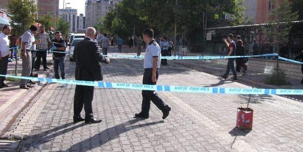 Malatya Adliyesi Önünde Silahlar Patladı