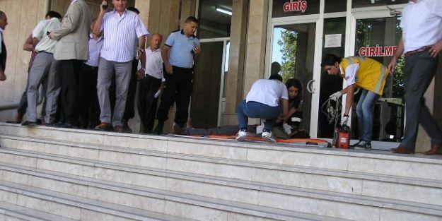 Malatya Adliyesi Önünde Silahlı Saldırı: 2 Yaralı