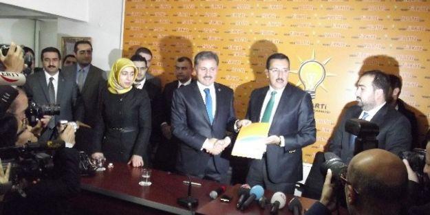 Malatya Belediye Başkanı Ahmet Çakır, Büyükşehir Belediye Başkanlığı Aday Adaylığı İçin Başvurusunu Yaptı