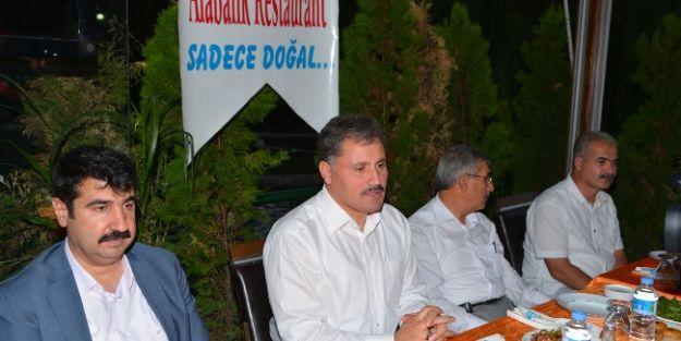 Malatya Belediyesi'nden Meclis Üyelerine İftar Yemeği