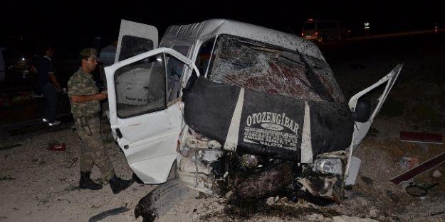 Malatya'da Kaza: 13 Yaralı