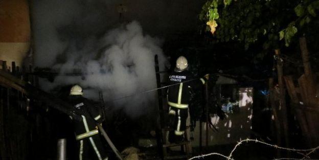 Malatya'da Yangın: 3 Ev Yandı