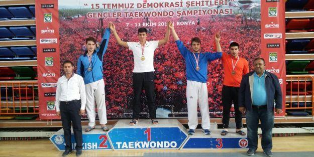 Malatyalı tekvandocu Türkiye üçüncüsü oldu