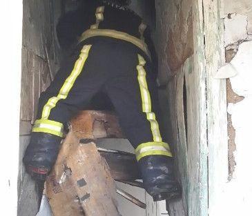 Metruk Evde Tinerciler Yangın Çıkarttı
