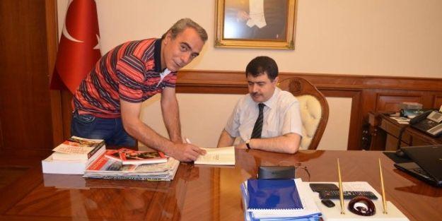 Meza Başkanı Şair Mehmet Zafer'den Vali Vasip Şahin'e Ziyaret