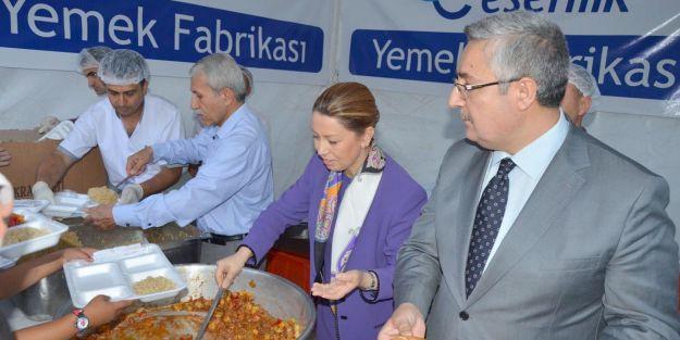 Milletvekili Çalık, iftar yemeği dağıttı