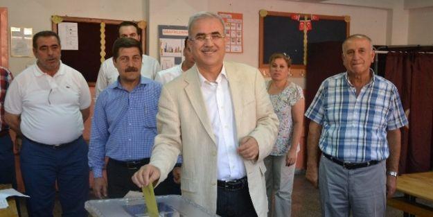 Milletvekili Fındıklı Oy'unu Kullandı