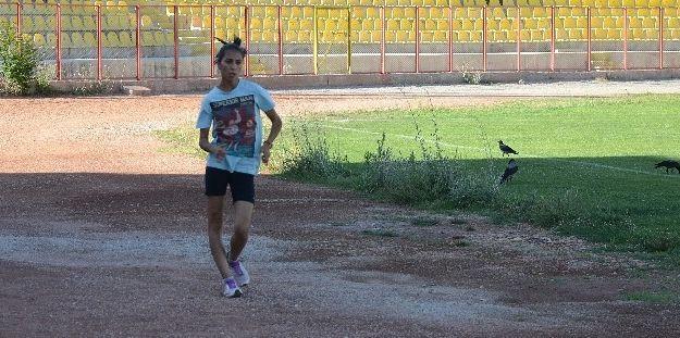 Milli Sporcu Derya Karakurt, Amerika'daki Şampiyonaya Katılacak