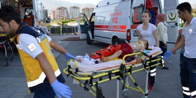 Minibüs Devrildi.. 1 Ölü 28 Yaralı