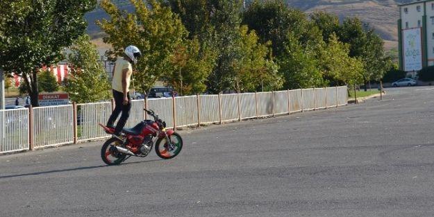 Motorsiklet Gösterisi Yapıldı