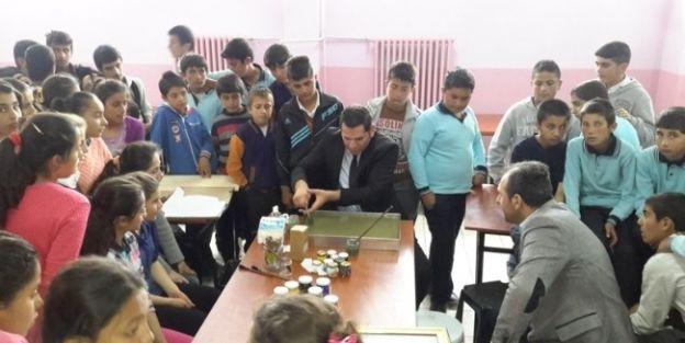 Öğrenciler Ebru Sanatı İle Tanıştı