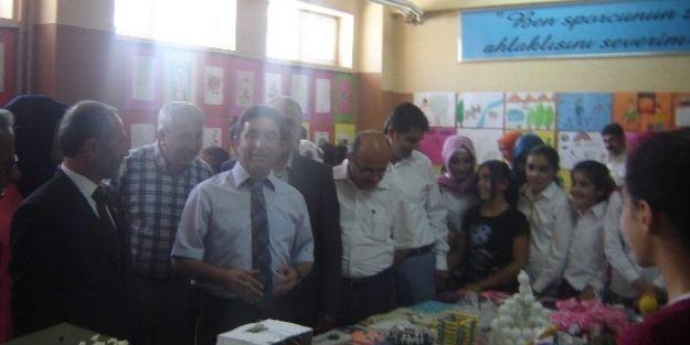 Öğrenciler El Emeklerini Sergiledi