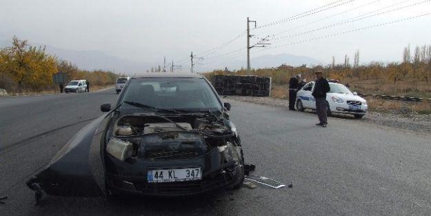 Otomobil İle Pikap Çarpıştı: 1 Yaralı