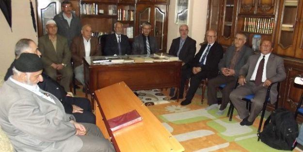 Prof.dr. İbrahim Gezer, Fikir Adamları Derneği'ni Ziyaret Etti