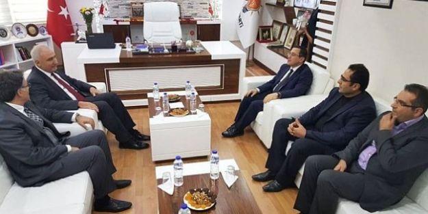 Rektör AK Parti'yi Ziyaret Etti