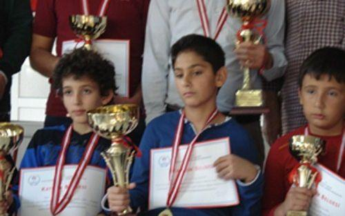 Satranç Şampiyonu Öğrenci Ödüllendirilecek