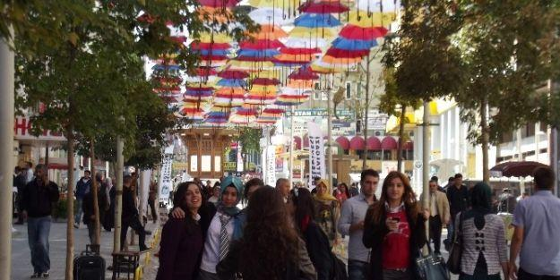 Şemsiye Sokak, Fotoğraf Çekim Alanı Oldu