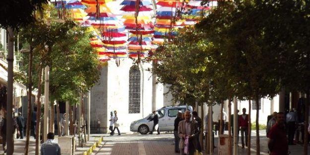 Şemsiye Sokak Uygulaması