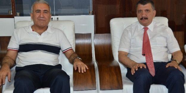 Su Yönetimi Genel Müdürü Prof. Dr. Cumali Kınacı, Başkan Selahattin  Gürkan'ı Ziyaret Etti