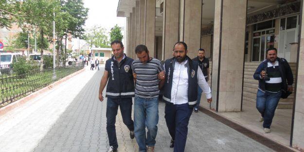 """Suçüstü yakalanan 'sahte polisler"""" tutuklandı"""