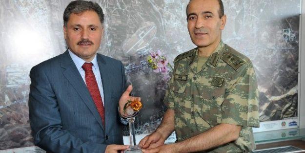 Tayini Çıkan Komutanlardan Başkan Ahmet Çakır'a Veda Ziyareti
