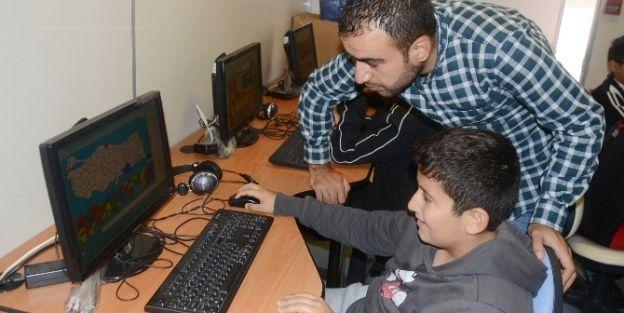 Tegv, Gezici Eğitim Desteği Vermeye Devam Ediyor