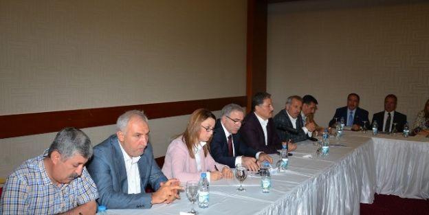 Toki Başkanı Mehmet Ergün Turan Belediye Başkanları İle Bir Araya Geldi