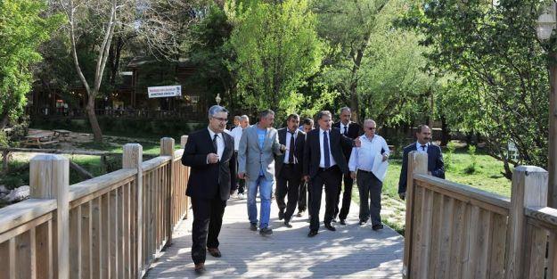 Turgut Özal Tabiat Parkı'nda incelemelerde bulunan Çakır: