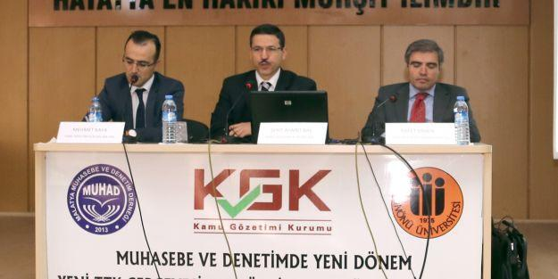 'Türkiye`de Bağımsız Denetçilik' panele düzenlendi