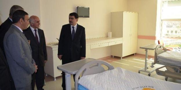 Vali Şahin, Yeni Hastanede İncelemelerde Bulundu