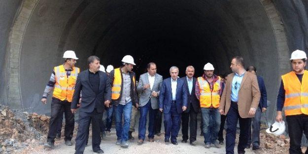 Vali Süleyman Kamçı Erkenek Tüneli'nde İncelemelerde Bulundu
