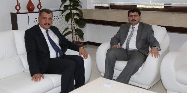Vali Vasip Şahin, Başkan Selahattin Gürkan'a Veda Ziyaretinde Bulundu