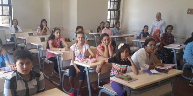 Yaz Okullarında 650 Öğrenci Eğitiliyor