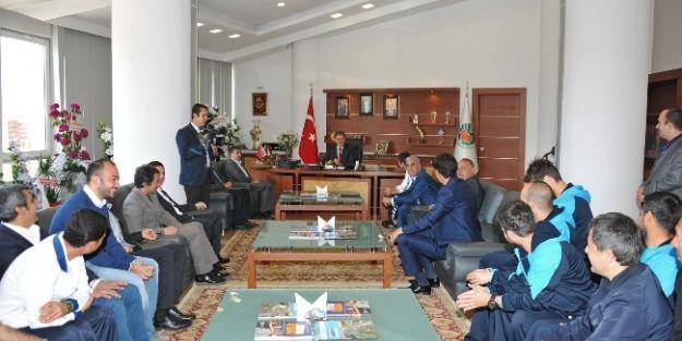 Yeni Malatyaspor Kulübü'nden Başkan Çakır'a Hayırlı Olsun Ziyareti