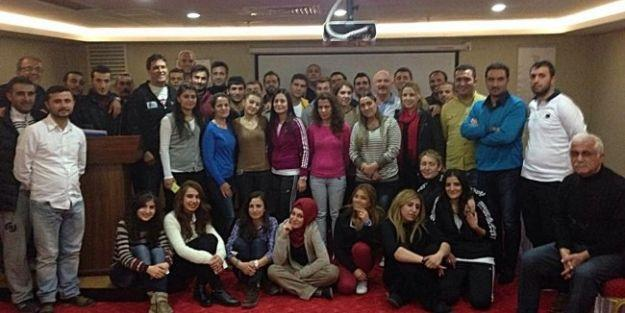 Yüzme Antrenör Gelişim Semineri Malatya'da Yapıldı