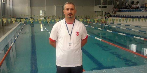 Yüzme Antrenörü Rüstem Pelit, Milli Takım Kampına Davet Edildi